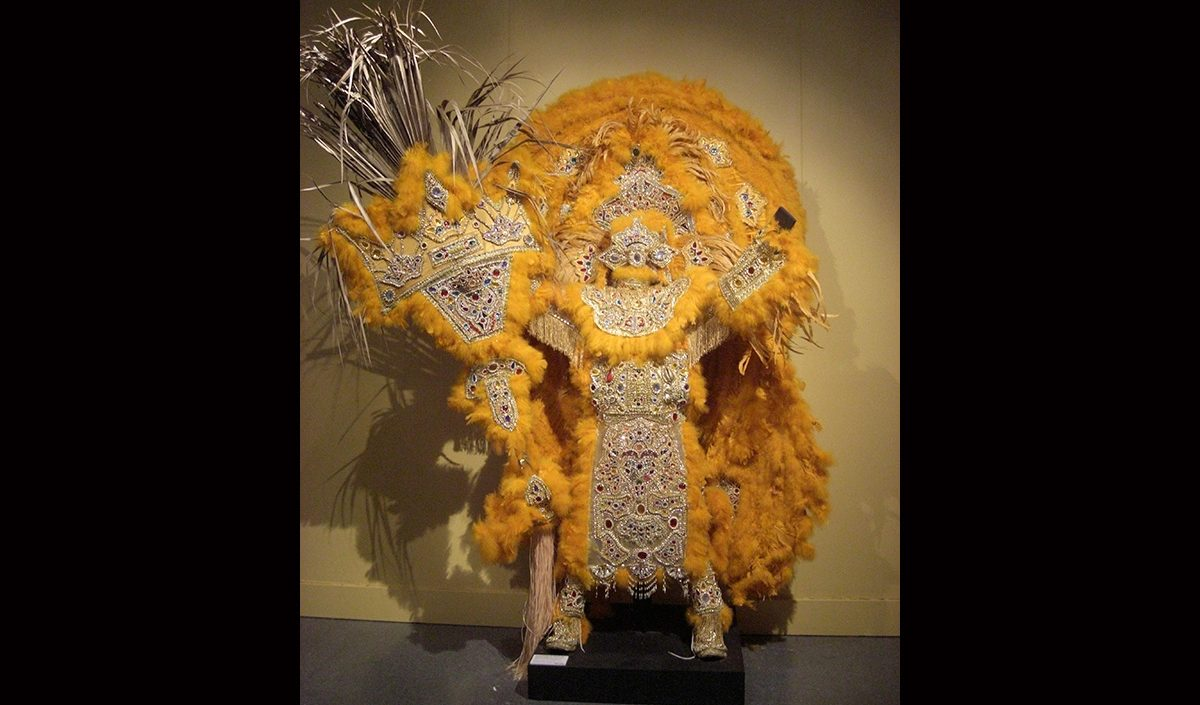 "Victor Harris & Fi-Yi-Yi, Golden Crown and Shield dedicated to Allison ""Tootie"" Montana, Big Chief of the Yellow Pocahontas, 2007. Collection Victor Harris, Courtesy Victor Harris and the Backstreet Cultural Museum. Photo Claire Tancons"