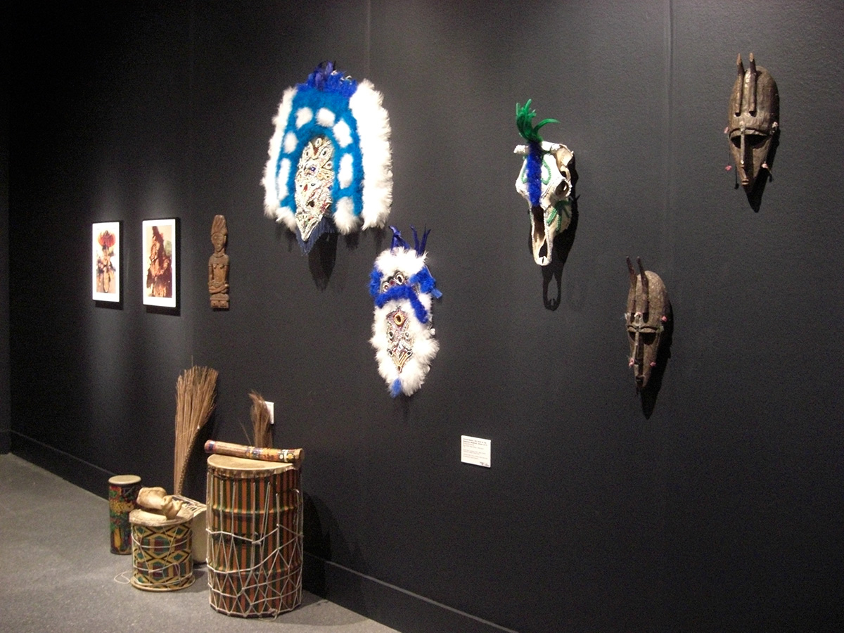 Masks by Victor Harris and drums by Wesley Phillips. Collections Victor Harris and Wesley Phillips. Photo Claire Tancons