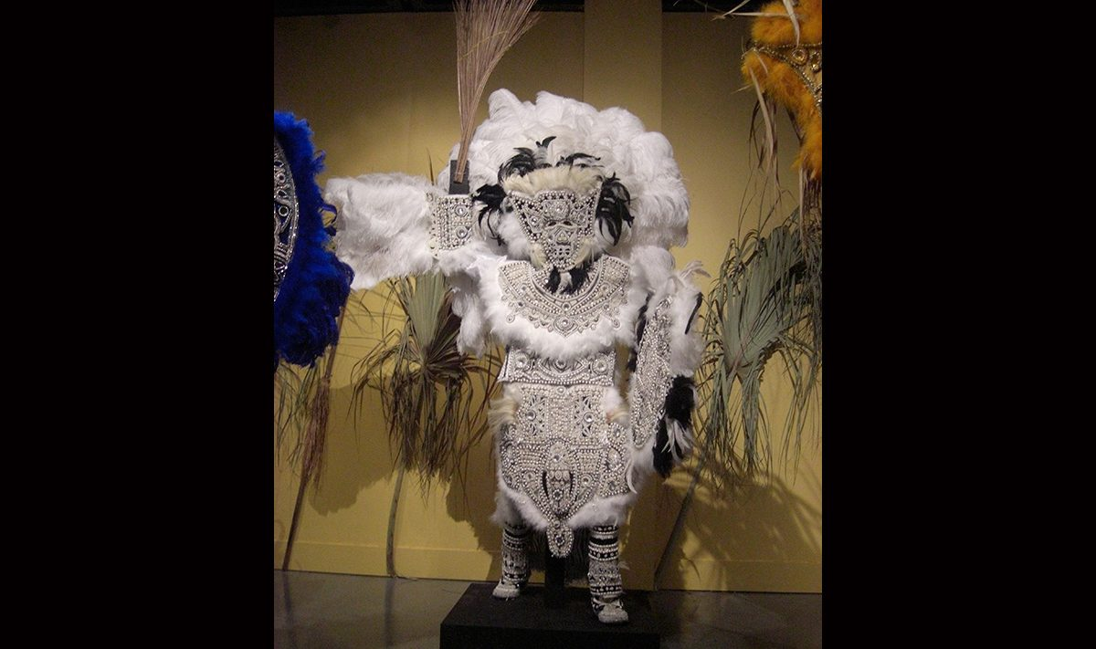 Victor Harris & Fi-Yi-Yi, Big Chief Suit and Shield (Black and White), 2003. Collection Victor Harris, Courtesy Victor Harris and the Backstreet Cultural Museum. Photo Claire Tancons