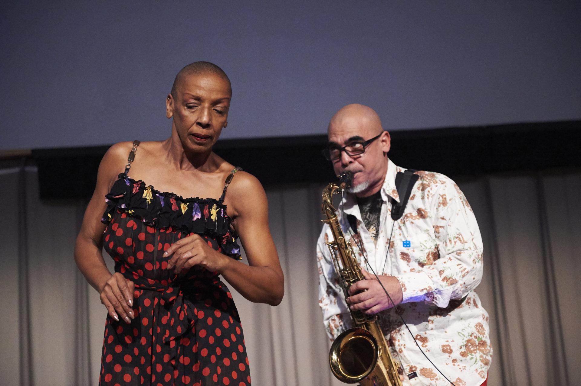 Léna Blou and Jacques Schwarz-Bart, Sonar